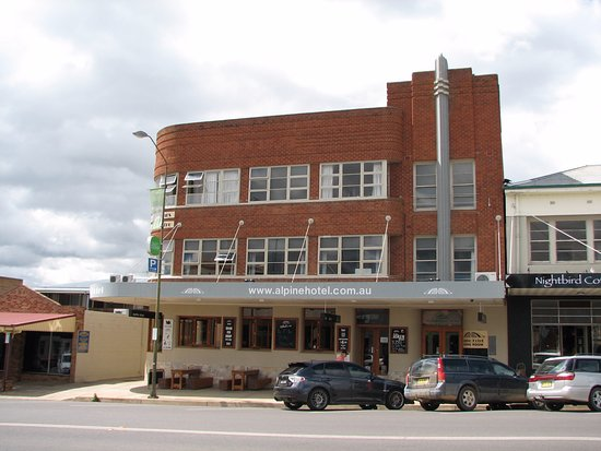 The Alpine Hotel Restaurant Cooma - Grafton Accommodation