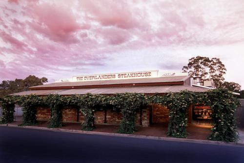 The Overlanders Steakhouse - Grafton Accommodation