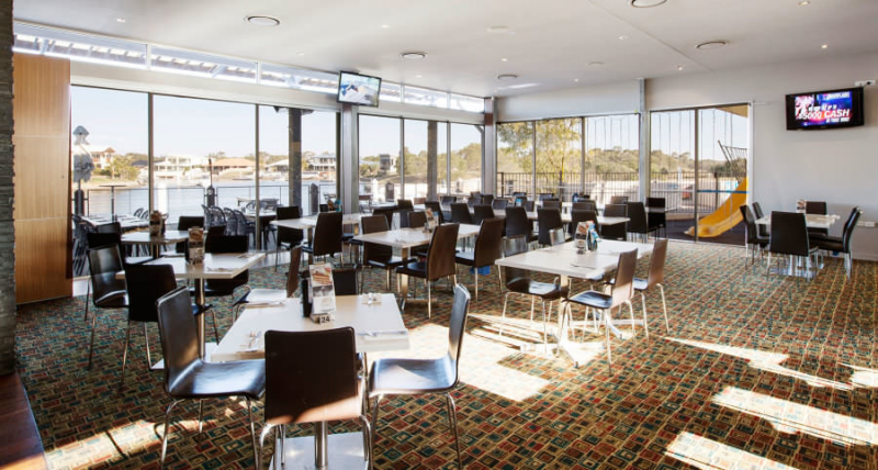 Pelican Waters Tavern - Grafton Accommodation