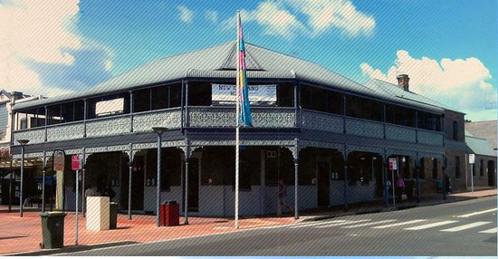 The New England Hotel - Grafton Accommodation