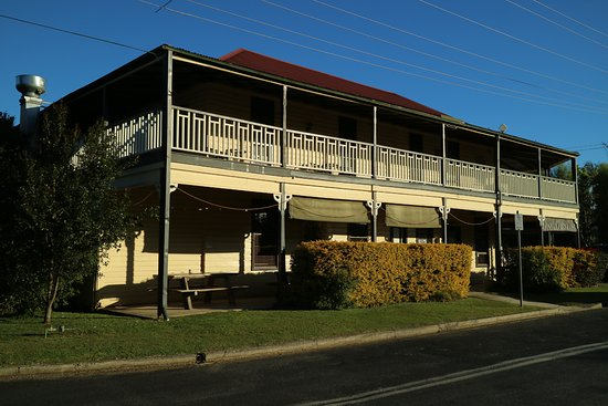 Brushgrove Hotel - Grafton Accommodation