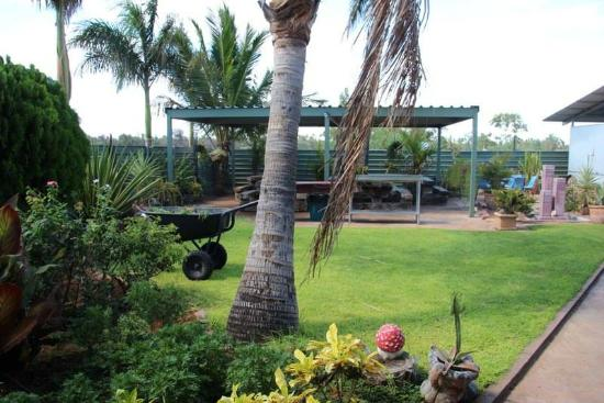 Devils Marbles Hotel - Grafton Accommodation