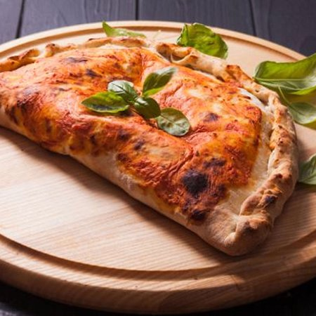 Straddie Wood Fired Pizza - Grafton Accommodation