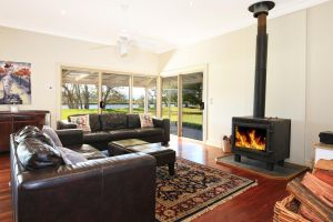 Terara Riverside Retreat - Grafton Accommodation
