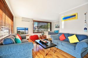 Sandy Toes Beach House Jervis Bay - 2min to Beach - Grafton Accommodation