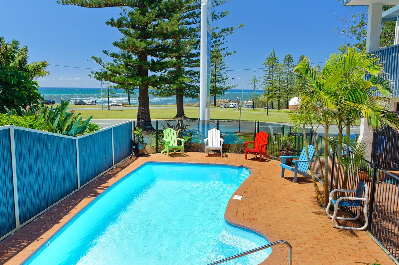 Beach House Holiday Apartments - Grafton Accommodation