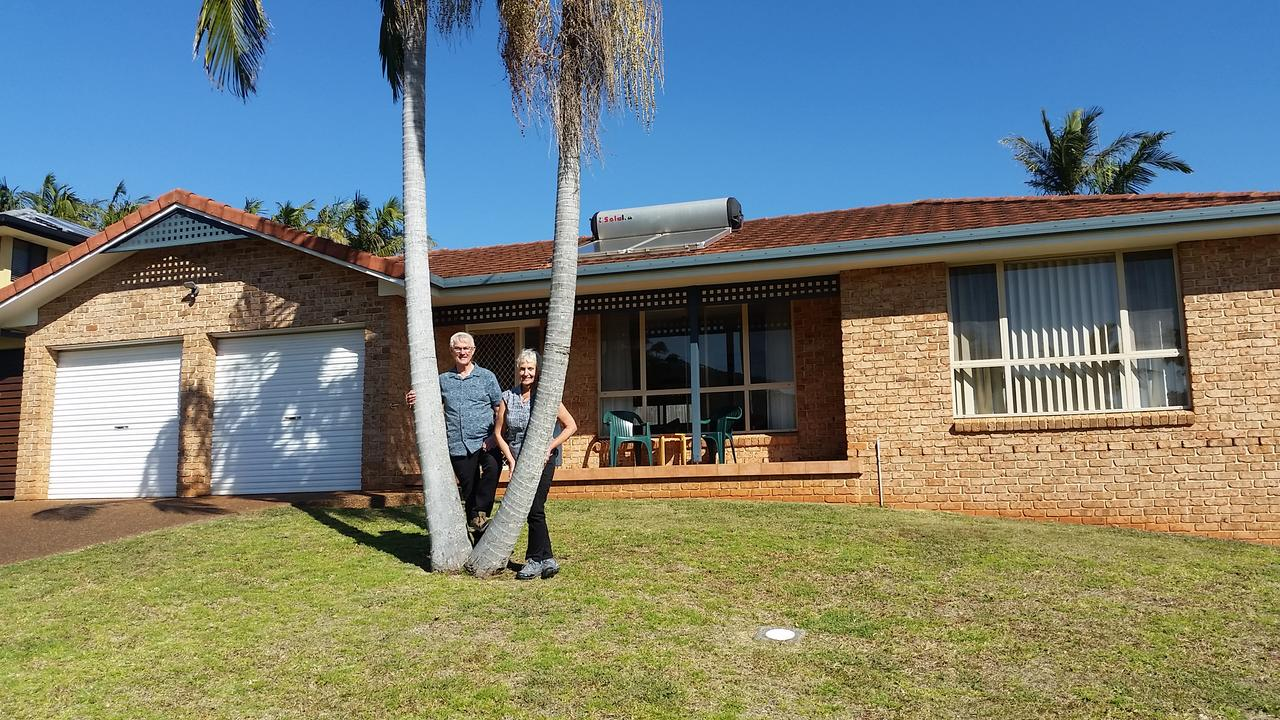 Twin Palms Holiday House at Lighthouse - Grafton Accommodation