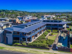 Lennox Holiday Apartments - Grafton Accommodation