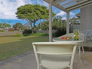 Callala Beach Cottage - charm and character - Grafton Accommodation
