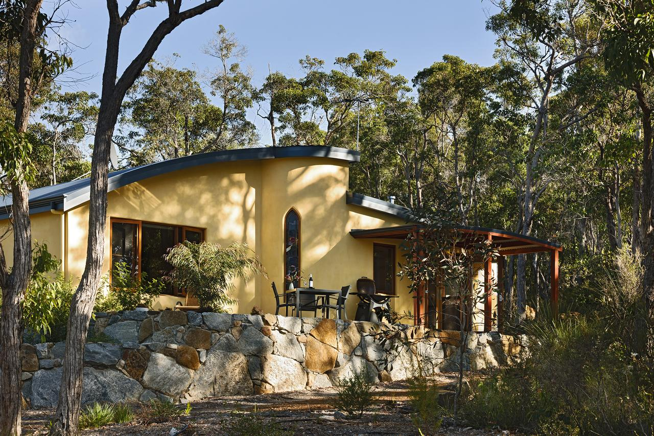 Aiyana Retreat - Grafton Accommodation