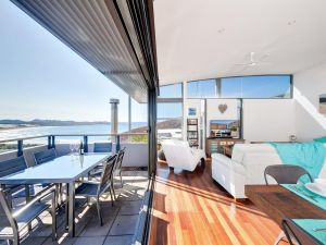 One Mile Cl Townhouse 22 26 The Deckhouse - Grafton Accommodation
