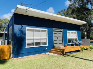 Abode Callala Beach Jervis Bay - 100m to Beach - Grafton Accommodation