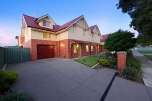 Albury Suites - Schubach Street - Grafton Accommodation