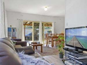 Beach Escape  Currarong - basic family accommodation - Grafton Accommodation